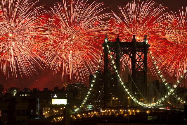 Hope everyone in the States had a great Independence Day. These were taken from my building's roof in Brooklyn, with the Manhattan Bridge in the foreground.