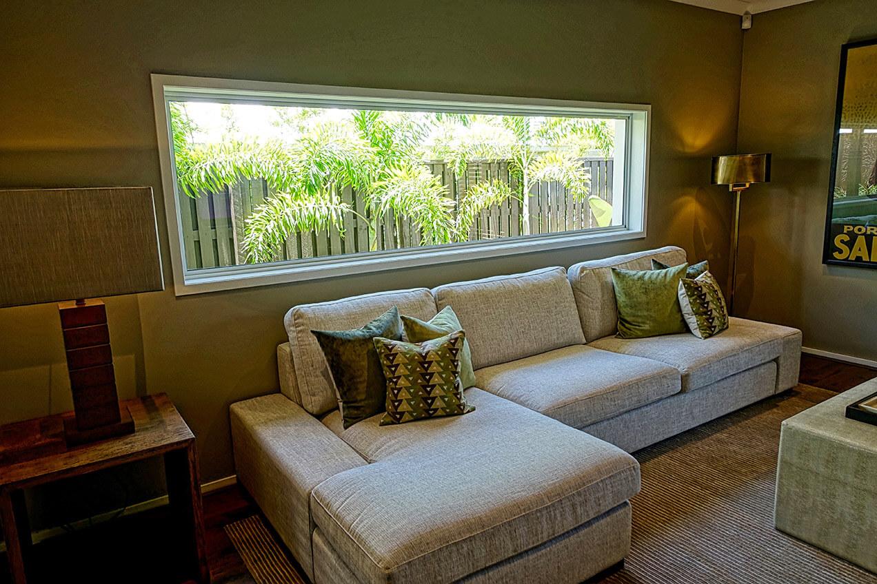 Home interior 7 ways to make small apartment feel bigger - Accesorios decoracion salon ...