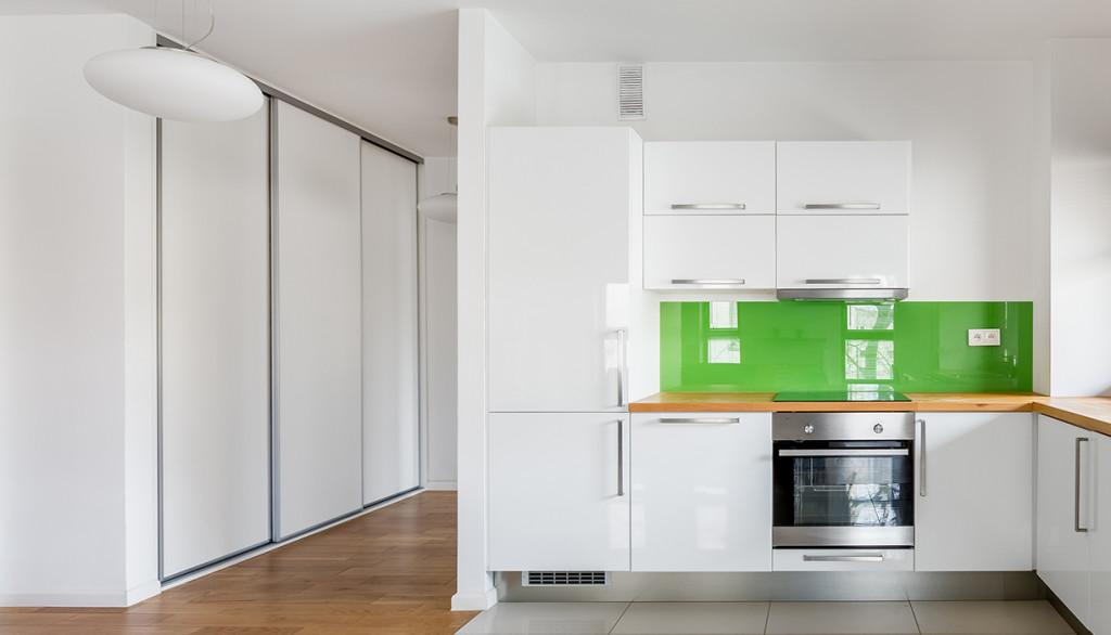 Create A Modern Convenient Kitchen With Custom Cut Glass