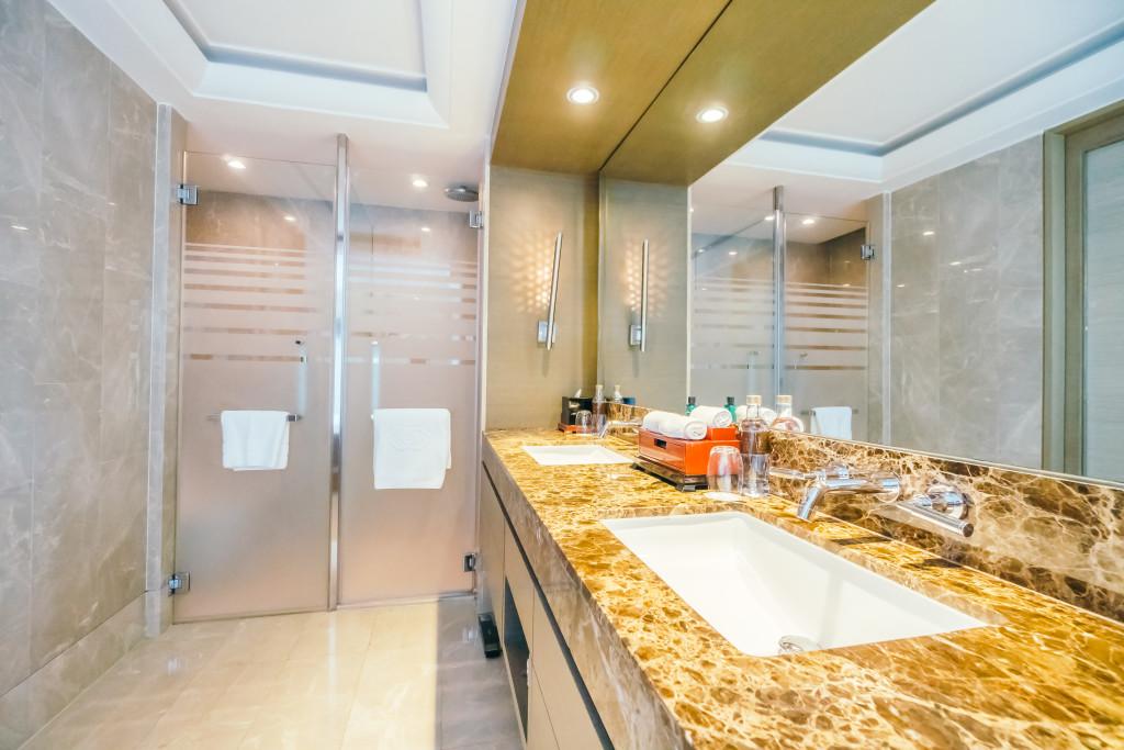 Shower door for modern