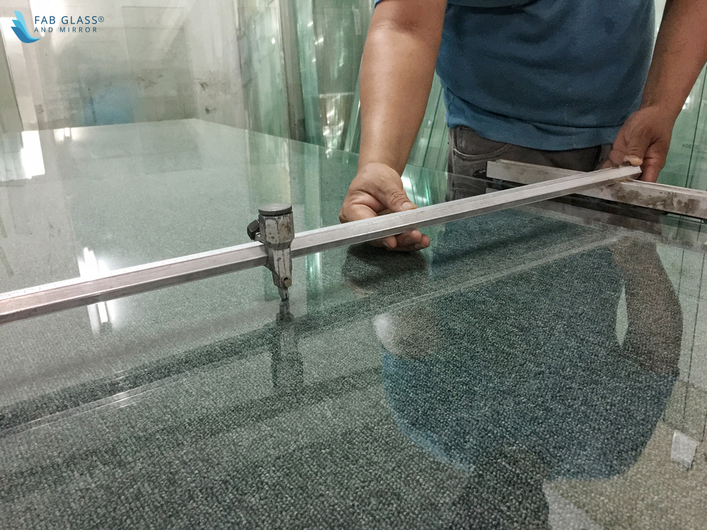 How To Cut Tempered Glass Fab, How To Cut A Mirror Without Glass Cutter At Home